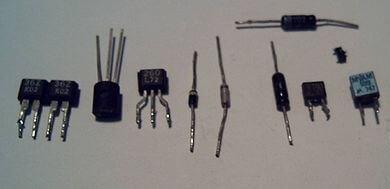 ساختار قطعه الکترونیکی دیود خازنی ( واراکتور)
